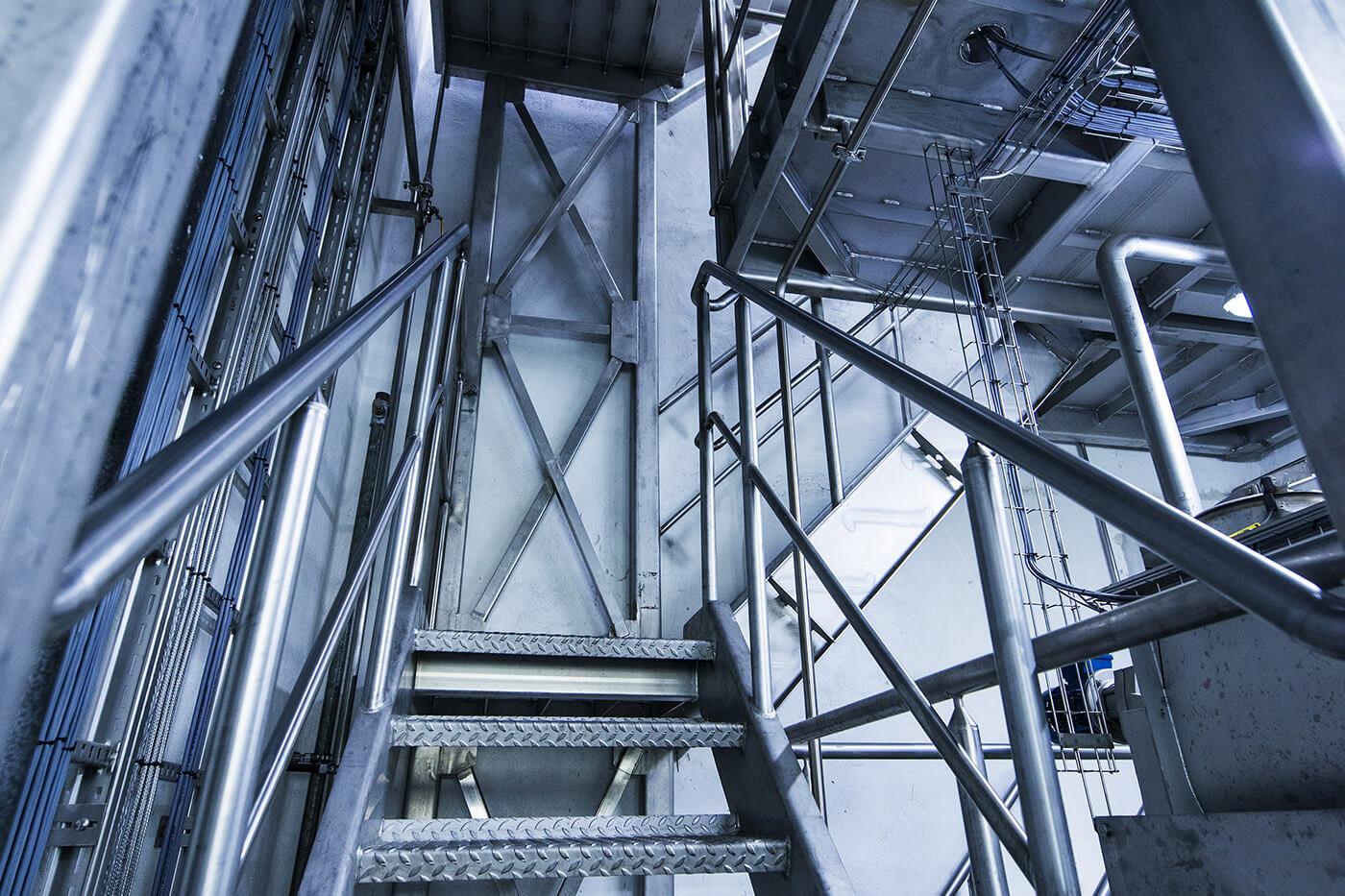 Jönsson har i fagentreprise renoveret et 14 meter højt testrum til et kæmpe kafferisteri